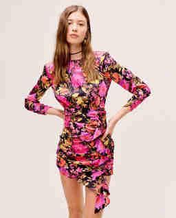 Różowa sukienka w kwiaty Dakota