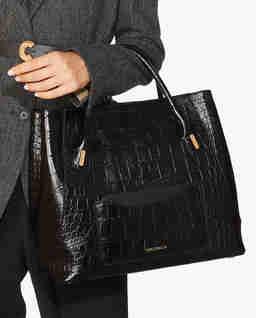 Czarna torebka na ramię ze skóry Evasion