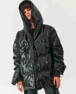 Czarna kurtka holograficzna Jesso