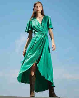 Zielona satynowa sukienka