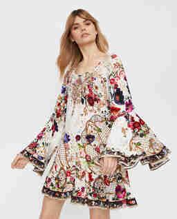 Jedwabna sukienka z falbanami