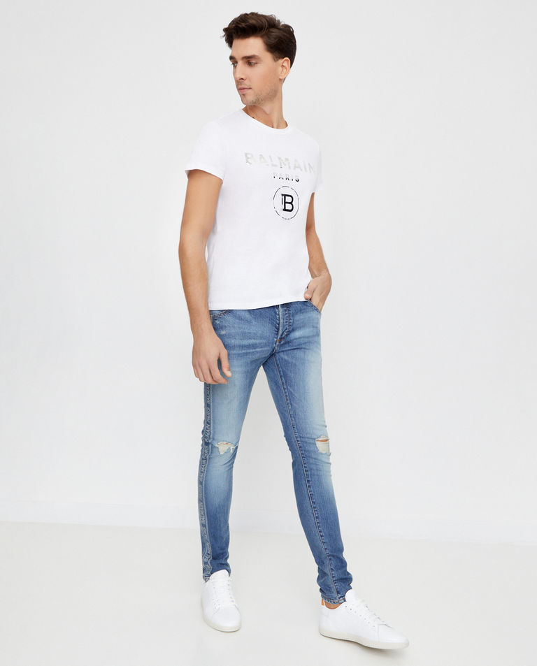 Biała koszulka ze srebrnym logo Balmain
