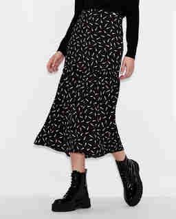 Czarna spódnica z printem w szminki