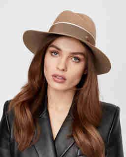 Beżowy kapelusz Virginie