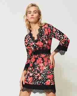 Mini sukienka w kwiatowy wzór