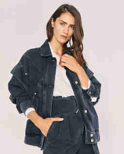 Oversize'owa kurtka jeansowa z przeszyciami