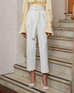 Białe spodnie Newton