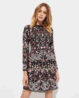 Czarna sukienka w kwiaty Elsie Ribbon