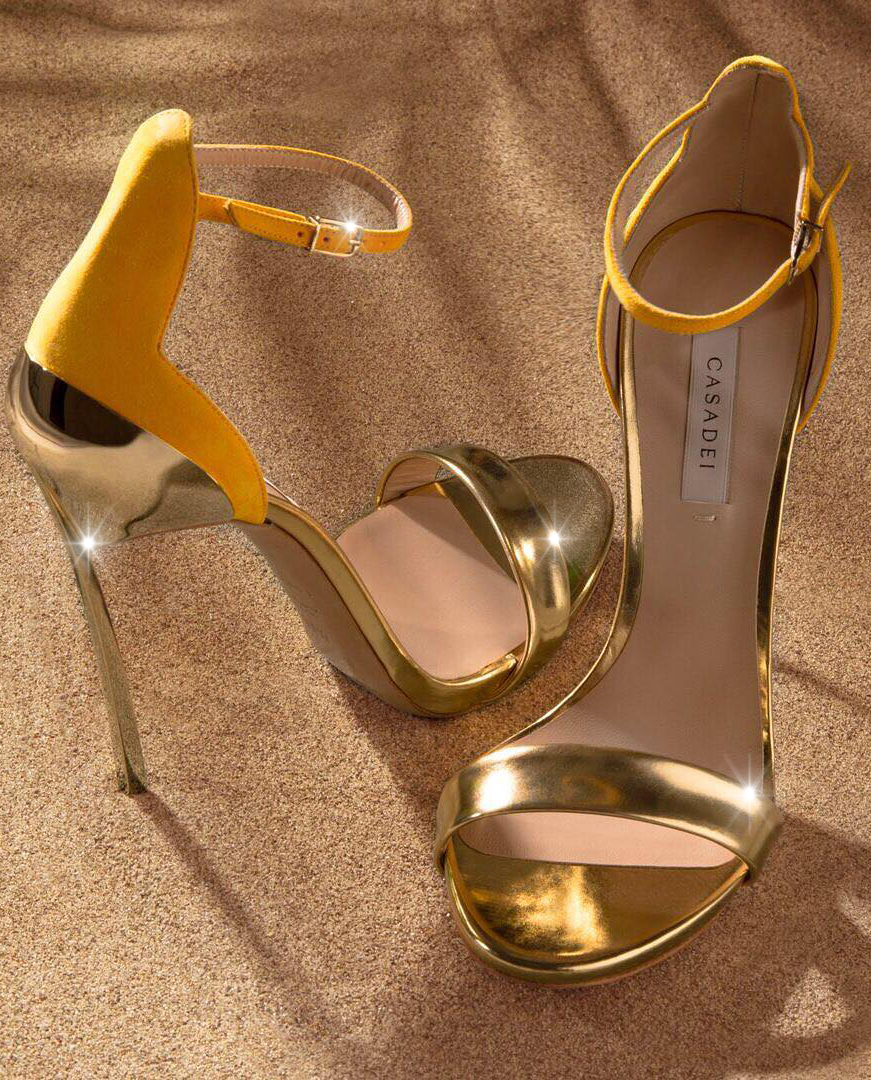 Sandały na szpilce Casadei złote