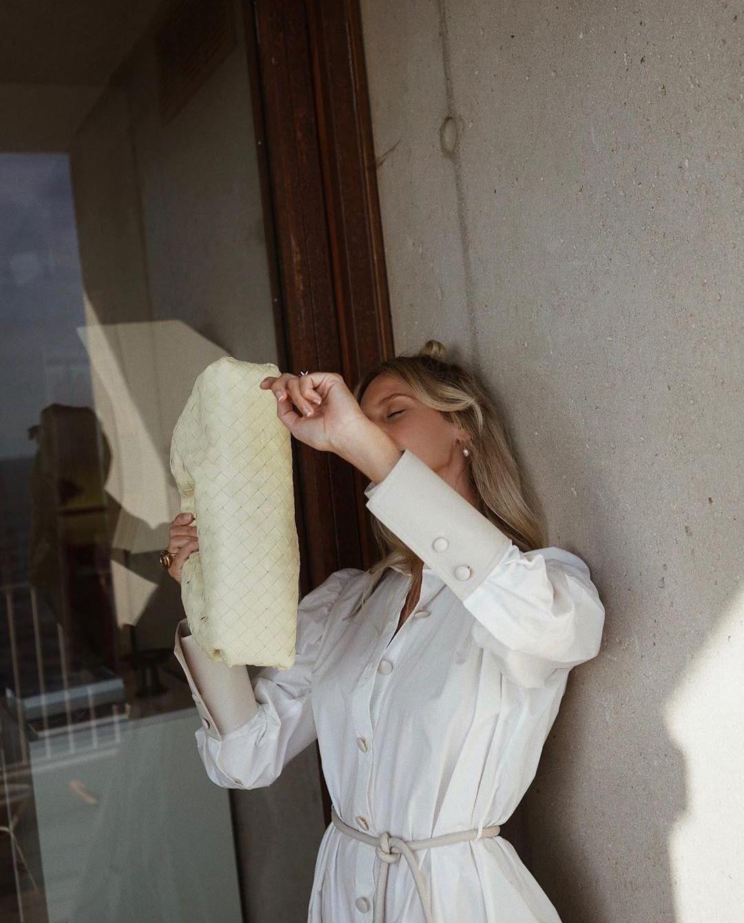Modelka koszula biała Nanushka