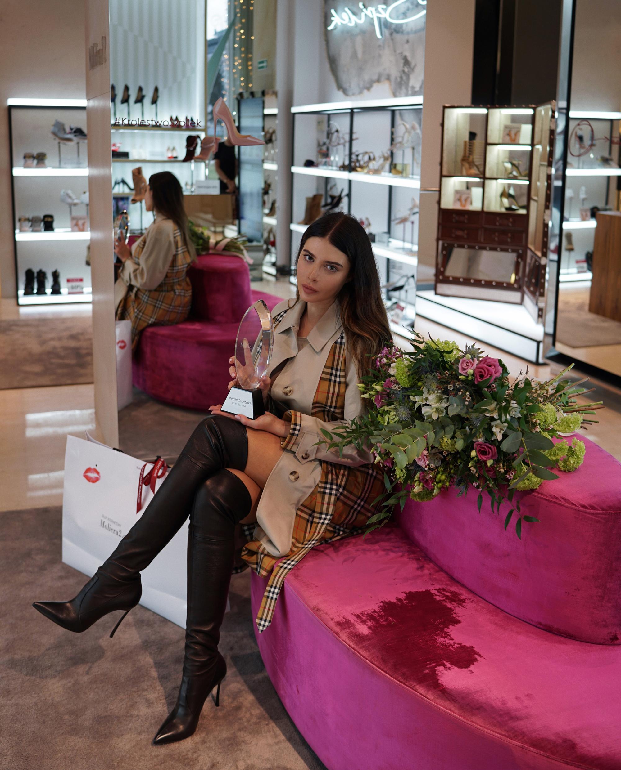 kobieta statuetka butik