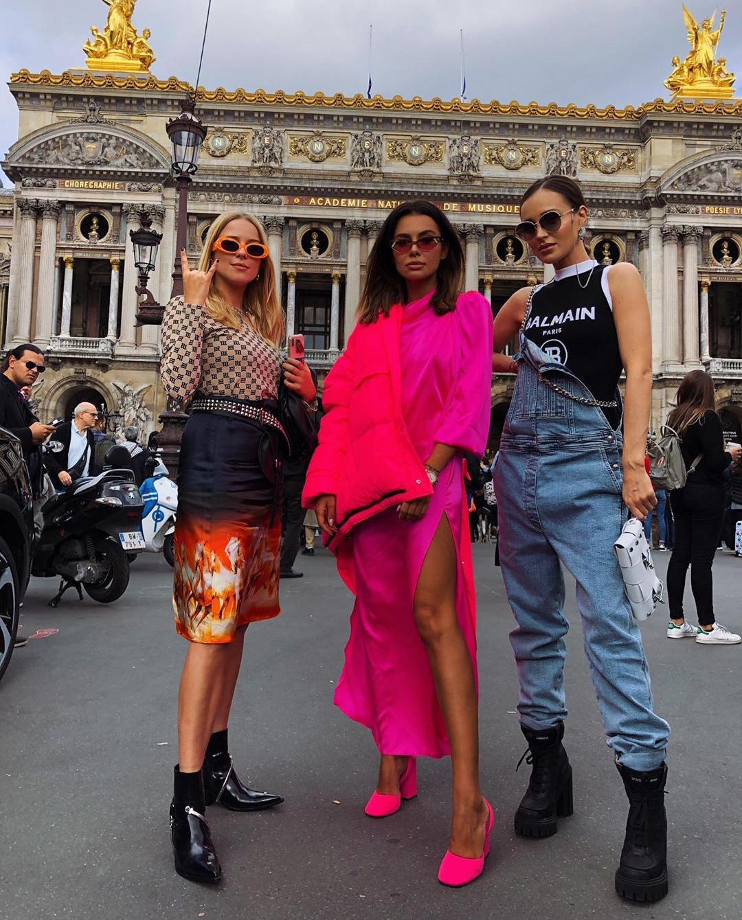 trzy kobiety paryż instagram