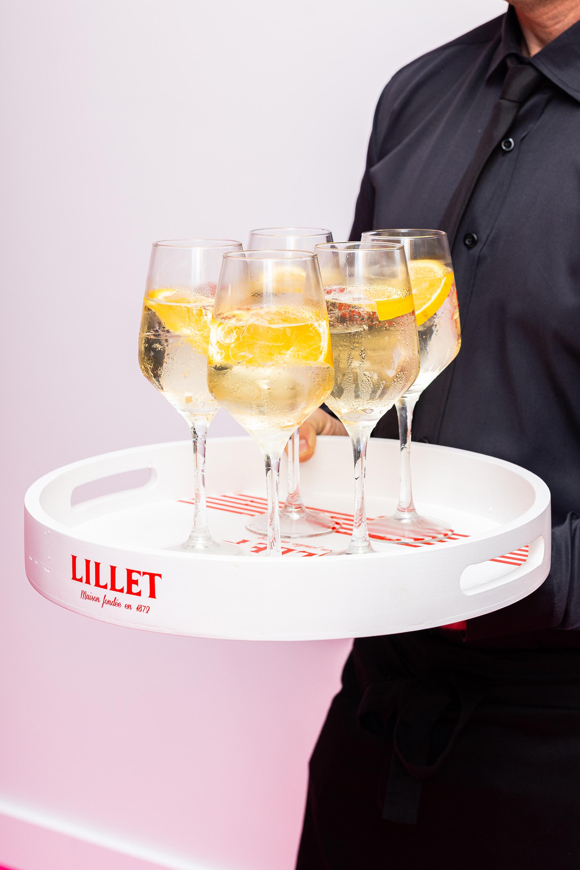 kieliszki taca szampan