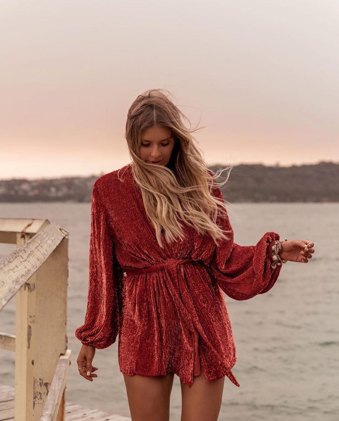 czerwona sukienka gabrielle rertrofete
