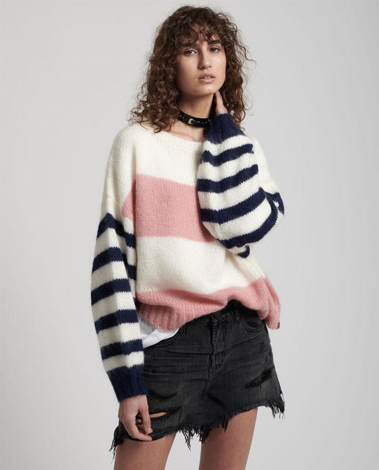 modelka sweter oneteaspoon