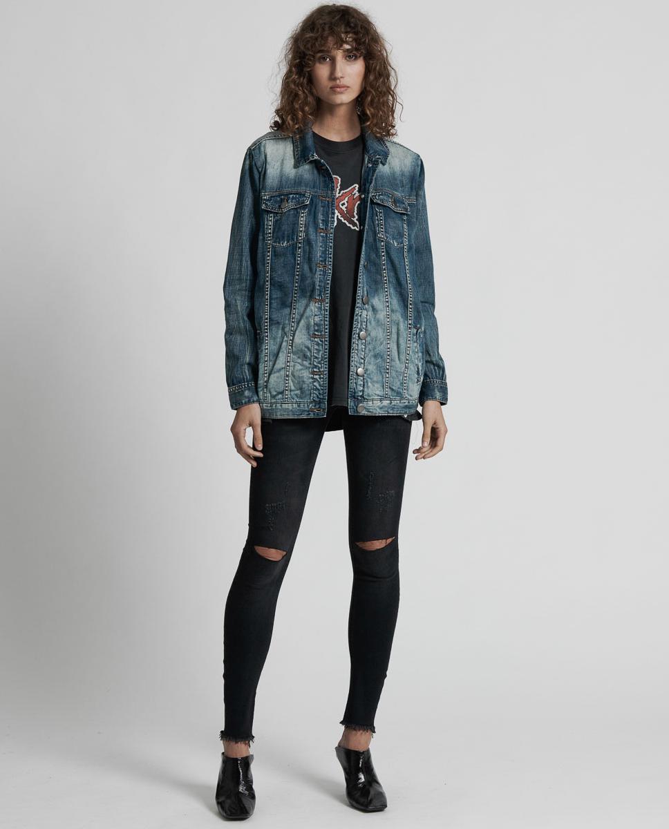 modelka kurtka jeansowa oneteaspoon