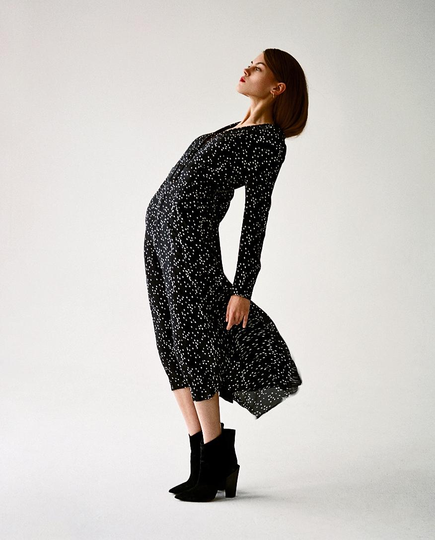 czarna sukienka z jedwabiu vivans jenesequa JE1990021 BLACK