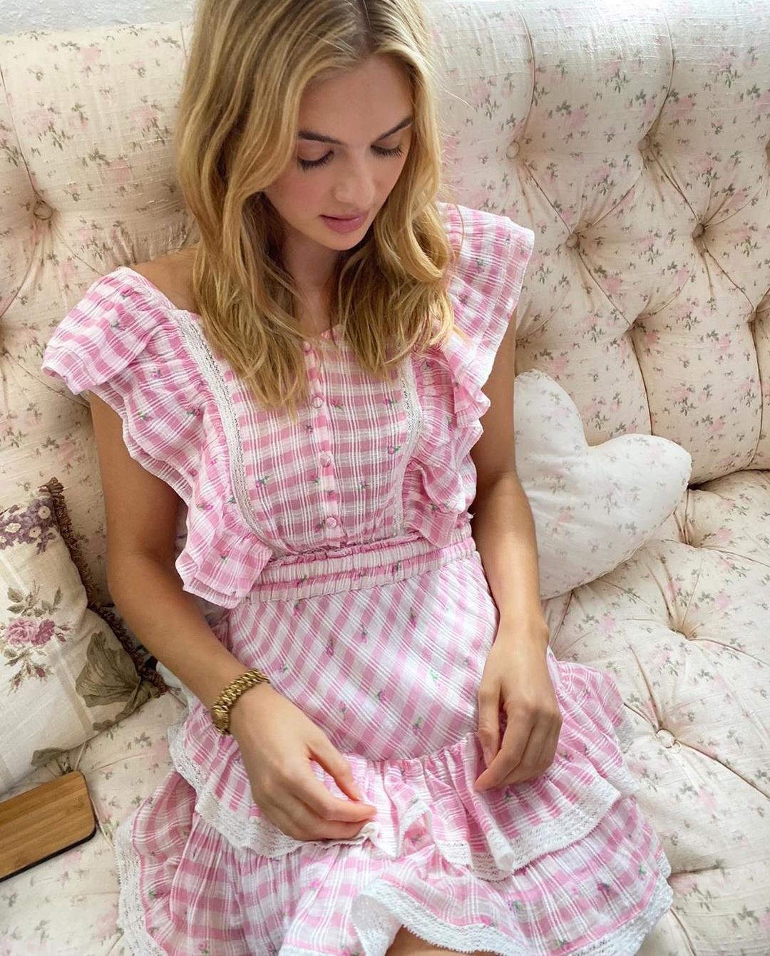 damska różowa sukienka love shack fancy instagram