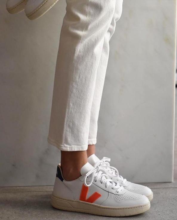 Białe ekologiczne sneakersy Veja