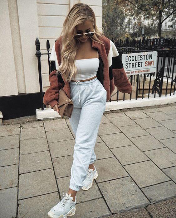 Dziewczyna spodnie dresowe stylizacja