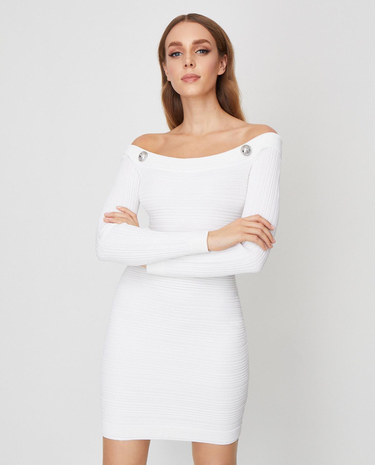 Biała sukienka z odkrytymi ramionami Balmain TF06249K063 0FA