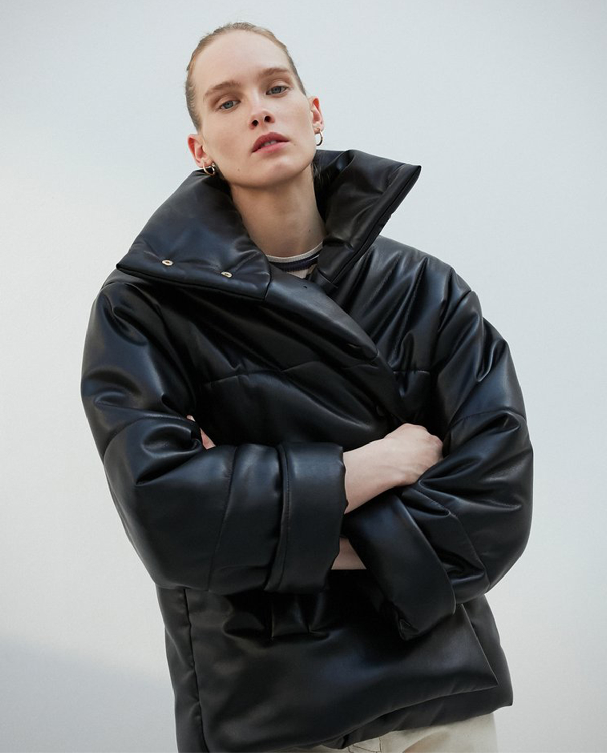 Damska kurtka z wegańskiej skóry Hide Nanushka HIDE BLACK