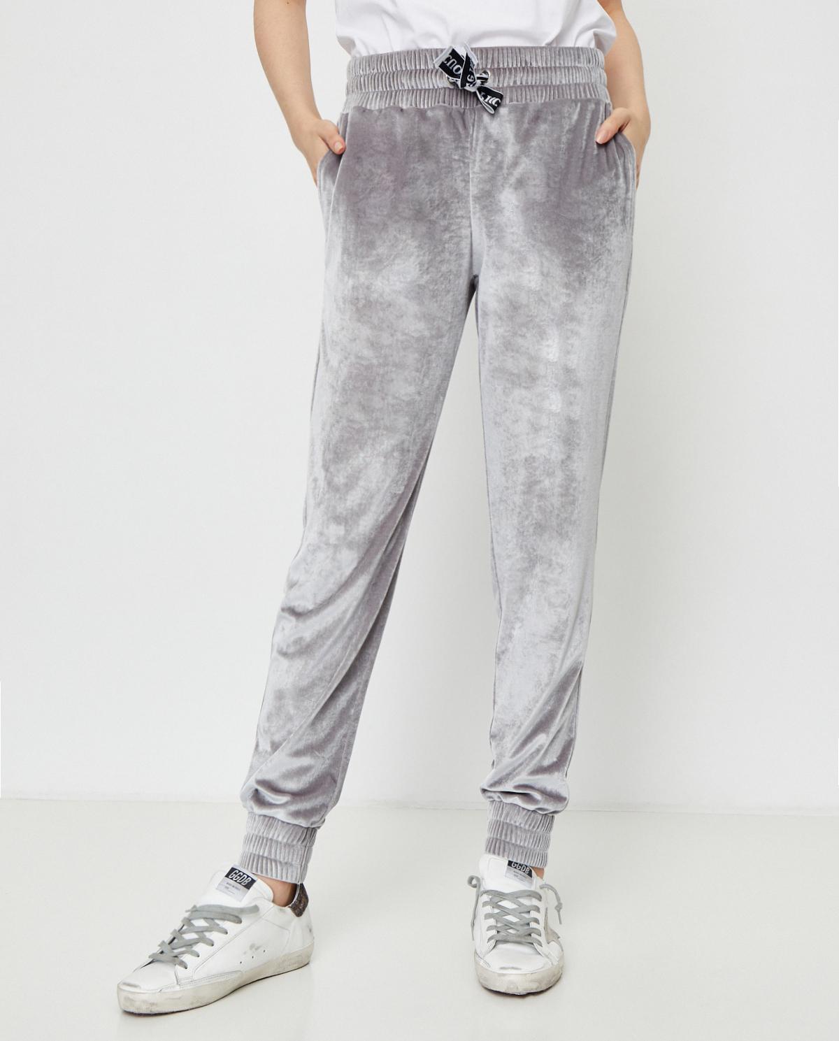 Srebrne spodnie dresowe TRICK z aksamitu Cuori e Picche TRICK LOW SILVER