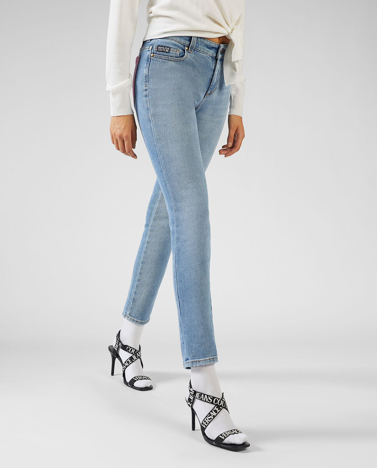 Niebieskie jeansy z logo Versace Jeans Couture A1HVB1KQAOB5B904